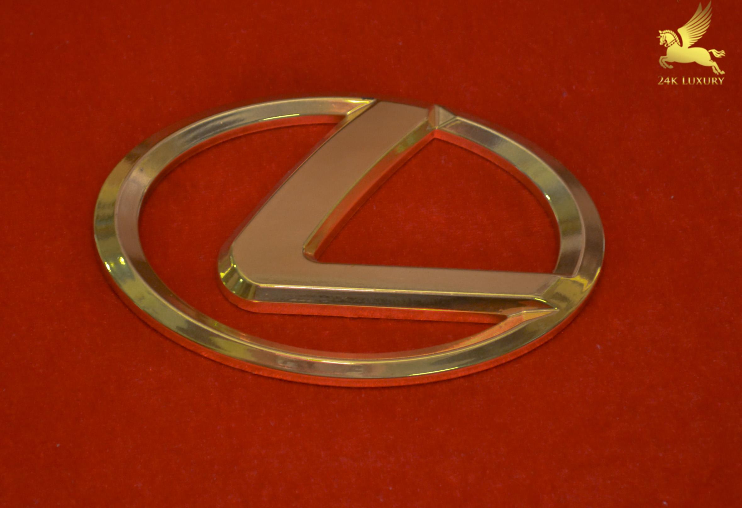 logo lexus mạ vàng