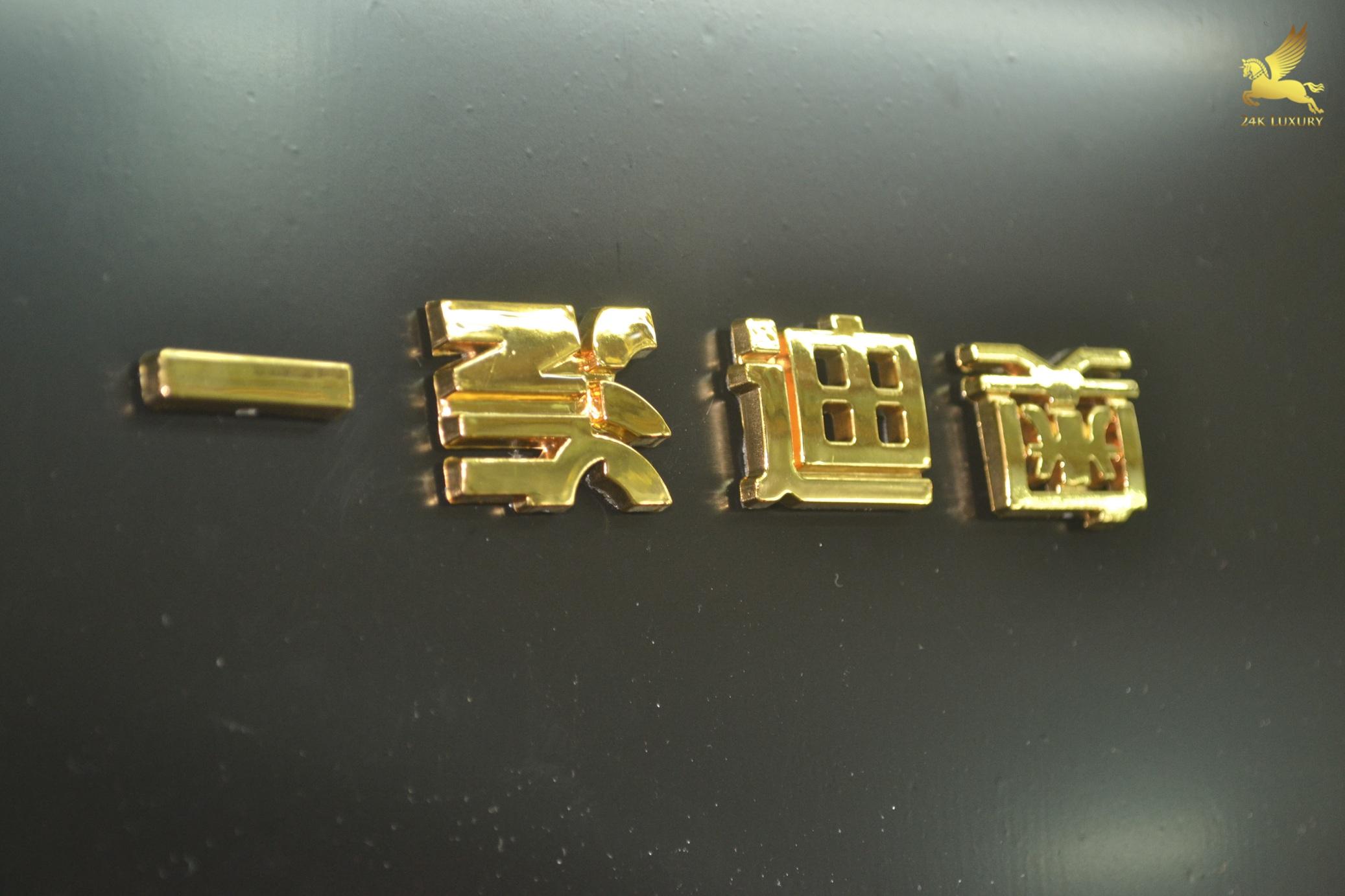 Bộ chữ mạ vàng giá: 1.600.000đ