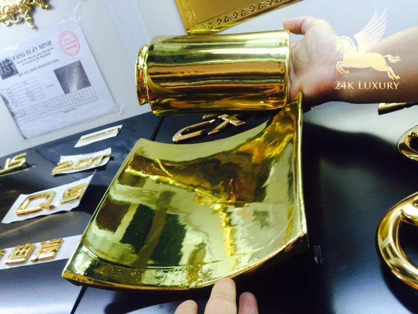 Ngói mạ vàng tại công ty Vina Gold Art