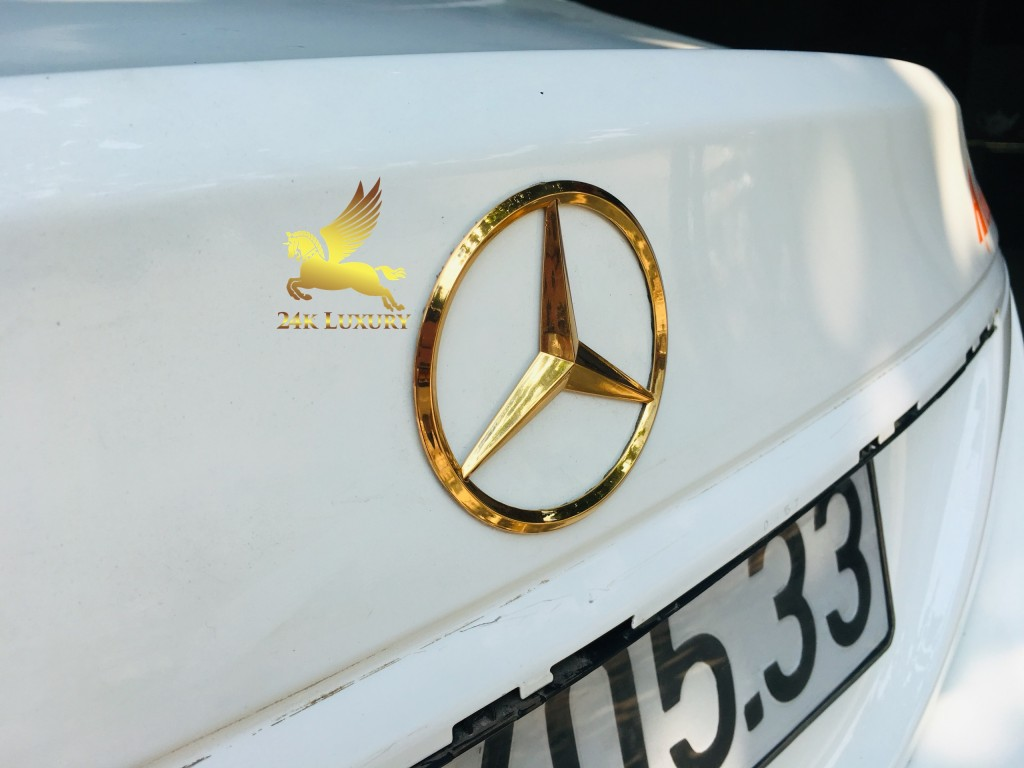 logo mercedes mạ vàng