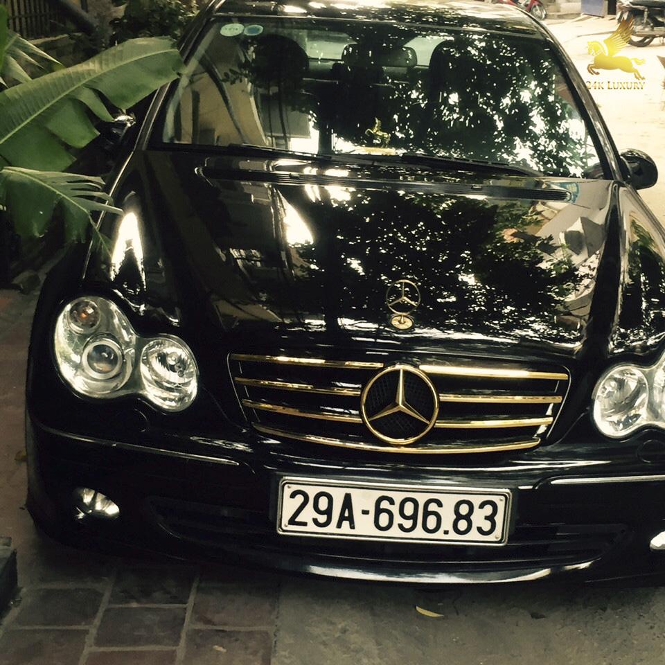 ô tô mạ vàng 24k